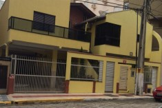 CASA RUA 283 - MEIA PRAIA SC
